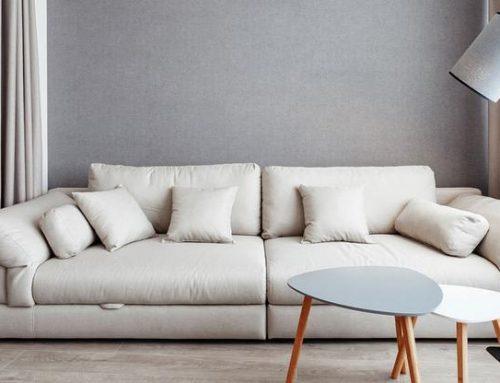Интерьер гостиной и других комнат с бежевым диваном: 79 фото и полезные советы