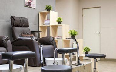 интерьеры салонов красоты и парикмахерских
