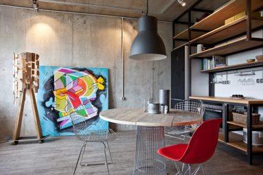 Дизайн кухни с бетонной стеной