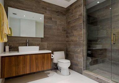 Плитка на стене в ванной