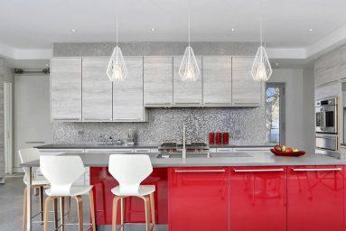 Красный и серый цвет на кухне