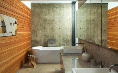 Идея с древесиной в ванной