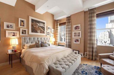 Галерейная стена в спальне