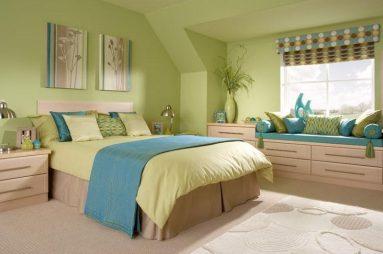 Зеленый и синий в спальне