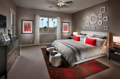 комбинация красного и серого в спальне