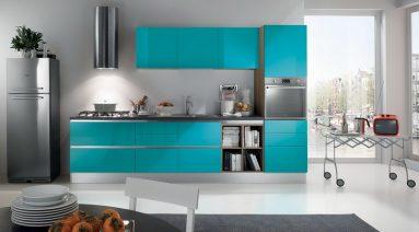 Сочетание серого и бирюзового цвета в интерьере кухни