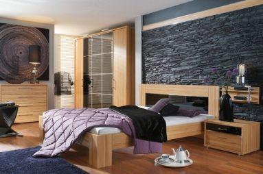 Отделка черным камнем в спальне