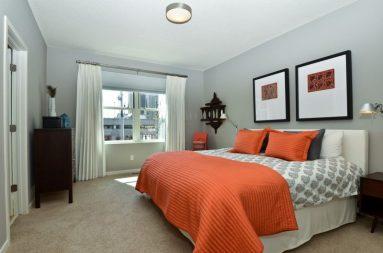 Сочетание оранжевого в дизайне спальне