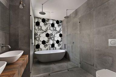 Серый в сочетании с другими цветами в ванной
