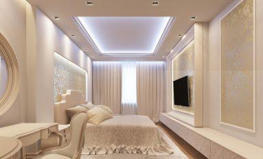 Освещенный потолок в светлой спальне