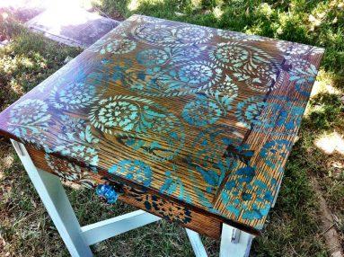 Трафаретная роспись стола